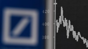 Deutsche Bank auf Rekordtief