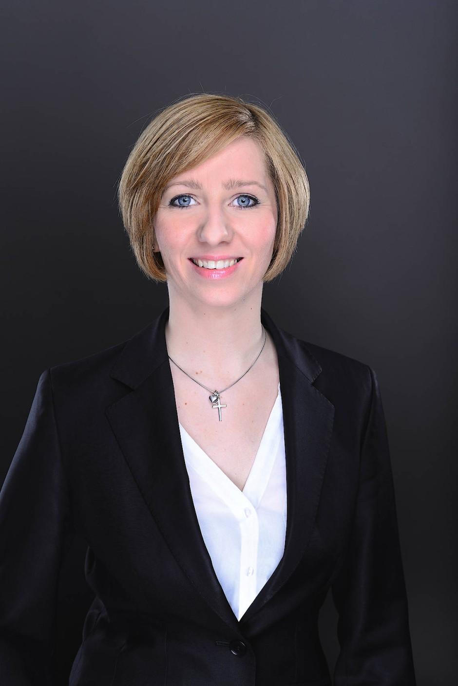 Svenja Hagge leitet in Berlin den Showroom von Prediger Lichtberater.
