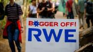 Die Ereignisse rund um den Hambacher Forst haben auch Folgen für die RWE-Aktie.