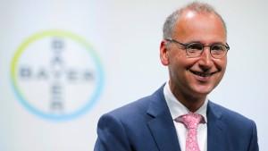 Bayer-Gewinn sinkt um drei Viertel – die Börse freut sich