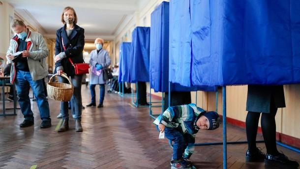 Skeptische Blicke auf die Ukraine
