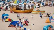 Strand und Sonne: Viele finanzieren ihren Urlaub per Dispo