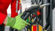 Benzin und Diesel sind gegenüber dem Frühsommer wieder deutlich billiger geworden.