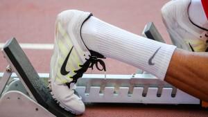Nike-Gewinn läuft dem starken Dollar davon