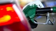 Autofahrer können auf günstigere Benzinpreise hoffen