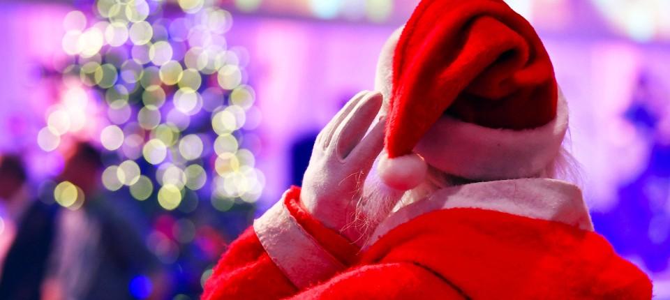 Spiele Weihnachtsfeier Betriebsfeier.Wie Die Weihnachtsfeier Auf Die Steuer Schlägt