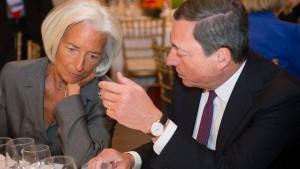 Draghi sorgt sich um Unabhängigkeit der amerikanischen Notenbank