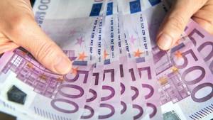 Deutsche investierten mehr in Aktien und Fonds