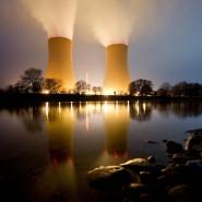 Kühltürme eines Atomkraftwerks