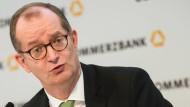 Vor dem Abstieg aus dem Dax: Commerzbank-Chef Zielke