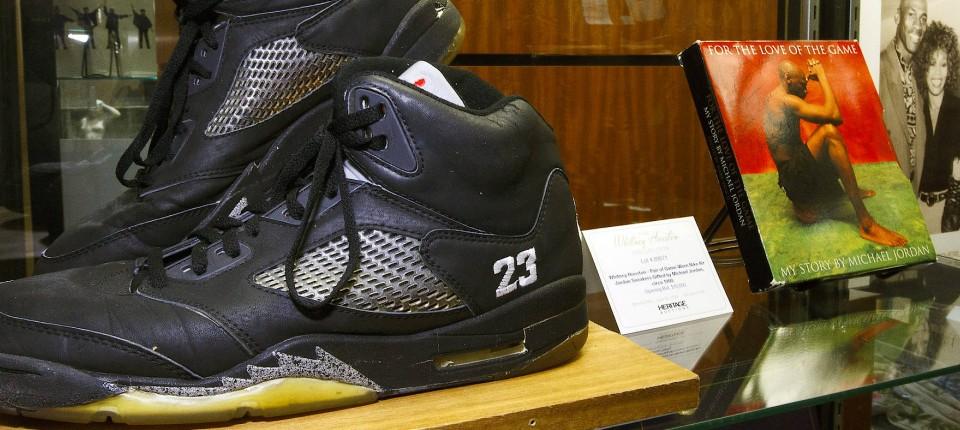 Sneaker Reseller machen Gewinne mit Adidas und Nike Ist