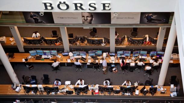 Börse Stuttgart - Bei der Regionalbörse am zweitgrößten Handelsplatz in Deutschland findet noch Parketthandel im Handelssaal statt. Die Börse wurde 1860 gegründet und ist mitten in der baden-württembergischen Landeshauptstadt gelegen.