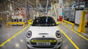 Zehntausende wollen neuen E-Mini von BMW