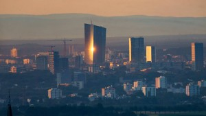 EZB-Rat Kazaks gegen schnelle Entscheidung über Pepp-Programm