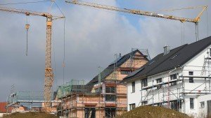 Die Deutschen schließen wieder mehr Bausparverträge ab