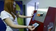 Bitcoins fallen unter 300 Dollar