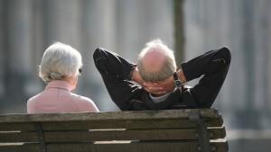 Unternehmen lagern Pensionsverpflichtungen aus