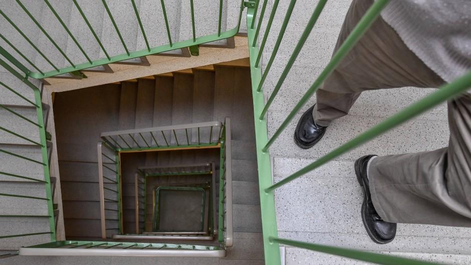 Diese Treppenstufen lassen sich im Alter wohl kaum noch bewältigen.
