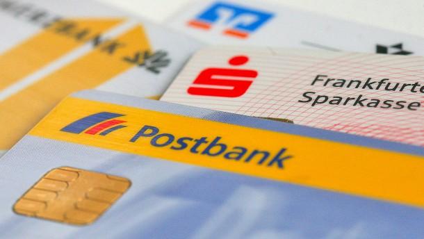 Banken verdienen blendend an ihren neuen Gebühren