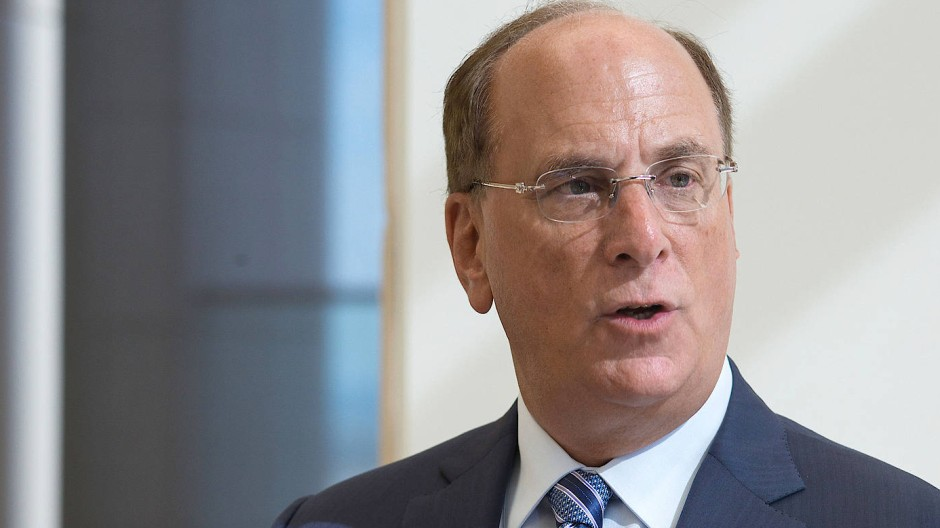 Blackrock-Chef Larry Fink fordert von Unternehmen mehr Nachhaltigkeit und will auch das eigene Angebot stärker darauf ausrichten.