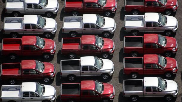 Billiger Sprit und niedrige Zinsen lassen amerikanischen Autoabsatz boomen