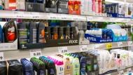 Laut Umweltbundesamt werden deutschlandweit rund 500 Tonnen Mikroplastik jährlich in Kosmetika eingesetzt.