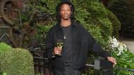 Rapper trotzt Brillen-Empfehlung während Sonnenfinsternis