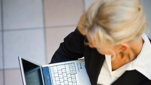 Wirtschaft kritisiert Frauenquote