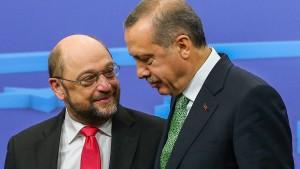 Schulz reist zu Gespräch mit Erdogan in die Türkei