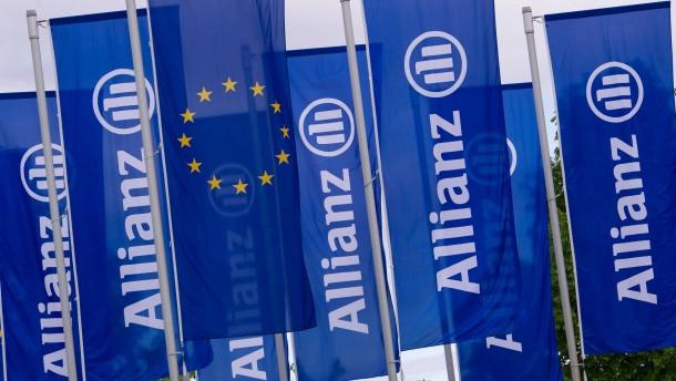 Allianz wird trotz Flut und Zinsflaute mutiger
