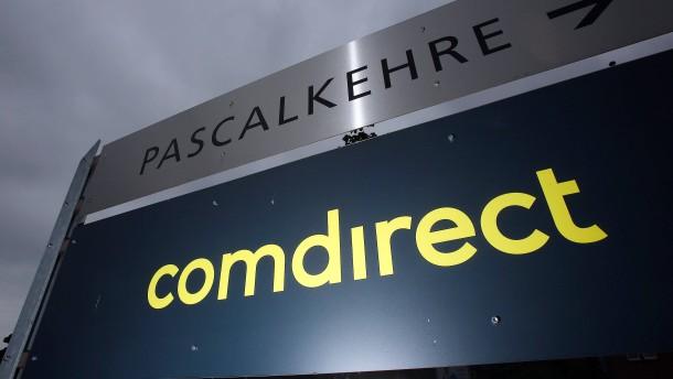 "DZ Bank nennt Commerzbank ""Restrukturierungskartenhaus"""