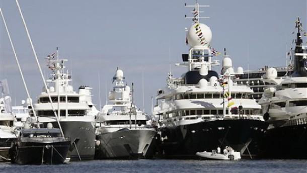 Die Zahl der Millionärshaushalte in Deutschland steigt deutlich Yachten