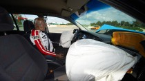Ein Crash Test Dummy der Unfallforscher der Versicherer: Die deutschen Auto-Versicherer beginnen ihr eigenes Notrufsystem.