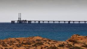 Ölpumpanlage vor der Küsten Libyens