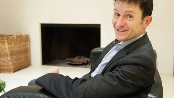 Guy Wagner - Der Chefökonom der Banque de Luxembourg stellt sich in Luxemburg den Fragen von Dennis Kremer