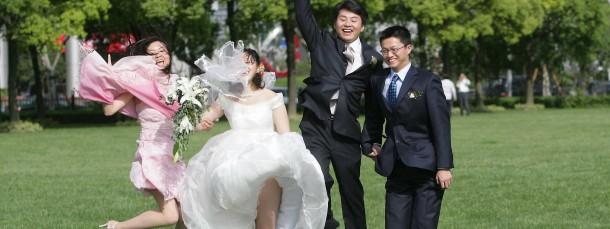 Mit dickem Auto und hohem Gehalt können heiratswillige Männer in China keinen Blumentopf mehr gewinnen.