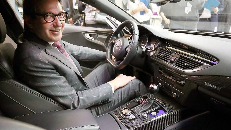 Auch der Bundesverkehrsminister Alexander Dobrindt macht sich auf zum Diesel-Gipfel.