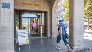 Commerzbank-Aufsichtsrat Roach lehnt Fusion ab