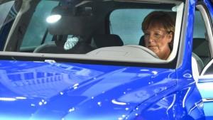 Merkel eröffnet Automesse IAA