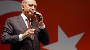 Erdogan greift nach der Macht