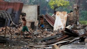 Der Traum eines neuen Myanmar bekommt Risse