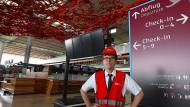 Flughafenchef Engelbert Lütke Daldrup sieht in den rigiden deutschen Bauvorschriften einen Grund dafür, dass sich die Eröffnung des BER-Flughafens so stark verzögert hat.