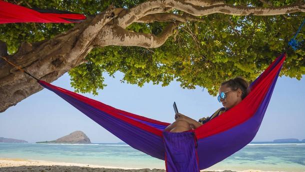 Im Urlaub billig ins Netz