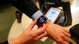 Apple-Pay-Zahlung mit Apple Watch in Moskau