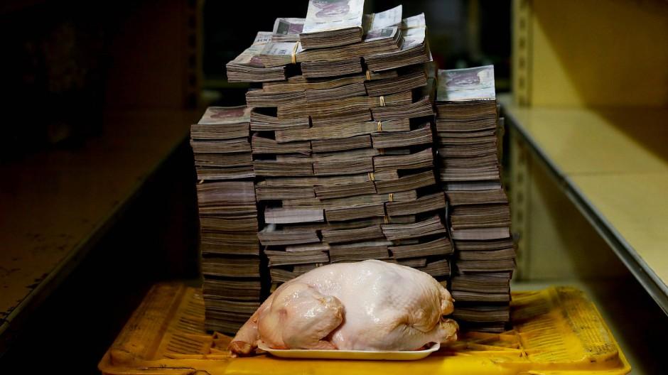 Ein Huhn kostete zuletzt eine Schubkarre voll Geld.