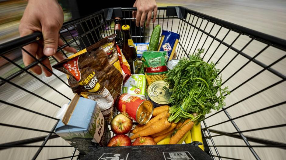 Supermarkt oder Tankstelle: Verbraucher erwarten steigende Preise für ihre tägliche Lebenshaltung