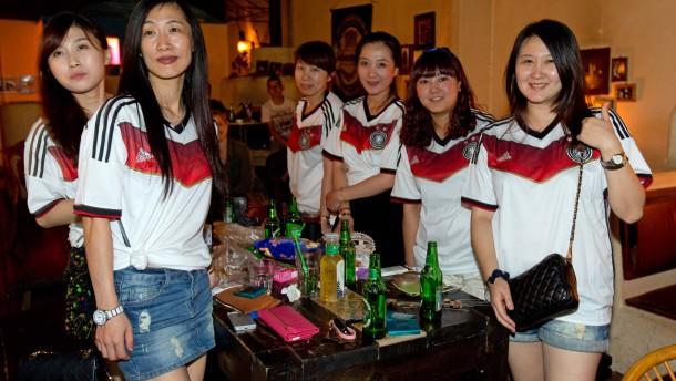 2,7 Milliarden Daumen für deutschen Finalsieg