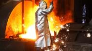 Bei Thyssenkrupp haben die Arbeitnehmervertreter zu einer Protestkundgebung am Freitag in Bochum aufgerufen.