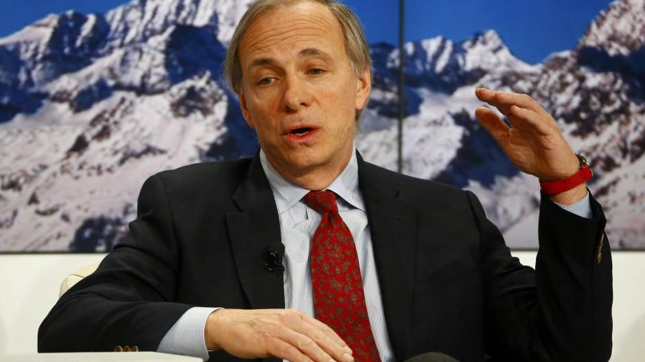 Ray Dalio ist Chef von Bridgewater, eines der größten und erfolgreichsten Hedgefonds der Welt.