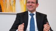 Weiterhin lohnt sich die Altersvorsorge, betont  Alf Neumann der Produktvorstand der Versicherung Allianz und Leben im Gespräch mit der F.A.Z.